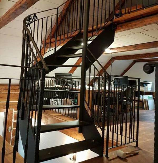 Escaliers En Fer Residentiel Et Commercial