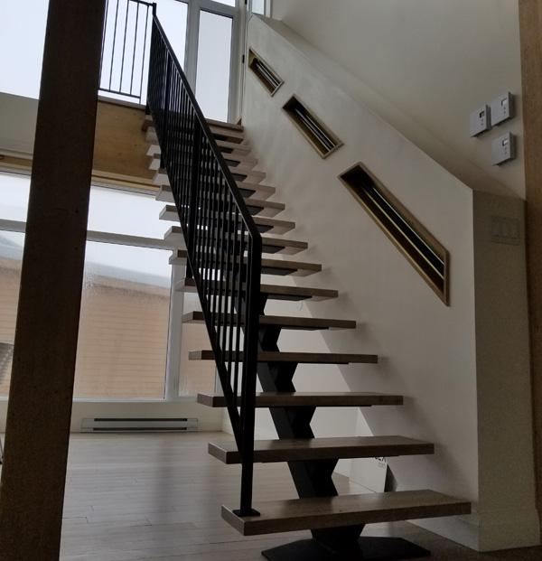 Escaliers limon central